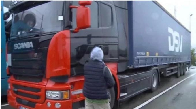 Șofer român de TIR din Belgia, în Comă, după ce a fost Strivit de camionul condus de soția care nu deține permis 1
