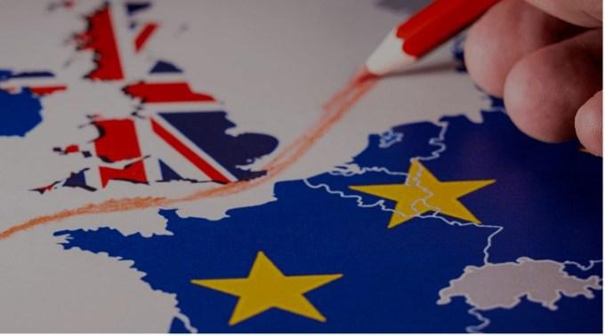 """Român din Anglia: """"Iată ce cred că se va întâmplă în UK în următoarele luni:va urma o foarte previzibilă criză de produse de import (perisabile: fructe, legume precum și medicamente), vom vedea magazine cu rafturi goale și o să apară practica statului la cozi - EU va propune să ..."""" 1"""