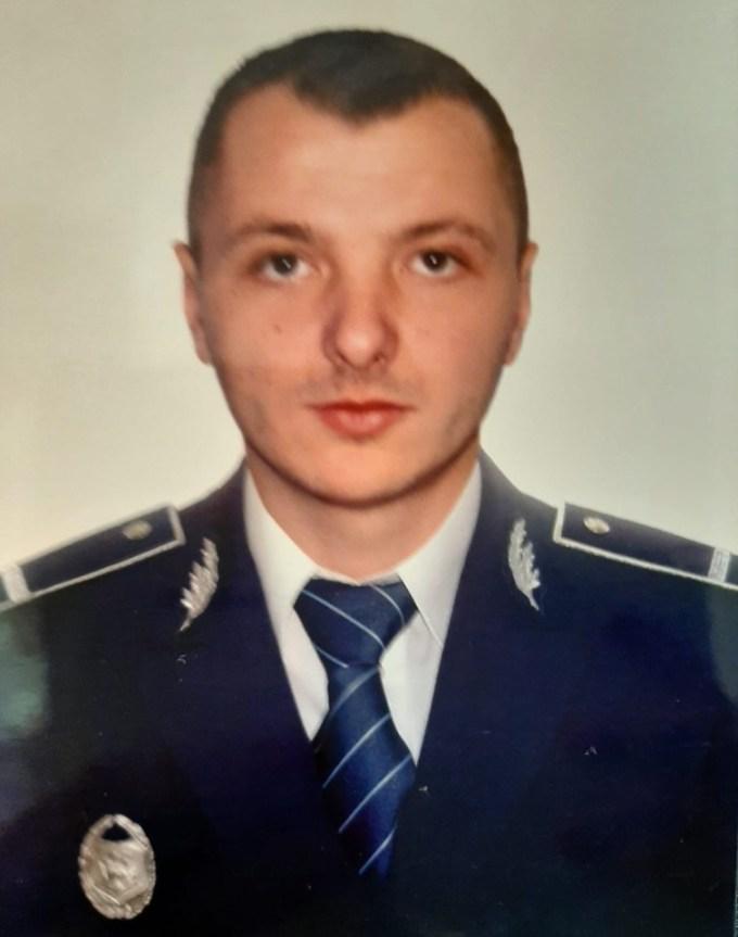 """Polițist spulberat de un minor de 15 ani beat, cu mașina. Poliția Română: """"Tavi, ești eroul nostru! Însănătoșire grabnică!"""" 1"""