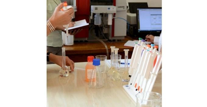 """Made în România. Un nou tip de dezinfectant eficient împotriva coronavirus inventat de Universitatea Politehnica din București! """"Soluția este bazată pe produsul BLUE ...Noul dezinfectant poate fi produs rapid în cantități mari și are impact redus asupra mediului..."""" 11"""