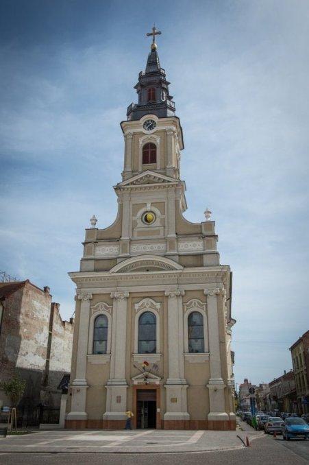 biserica-cu-luna