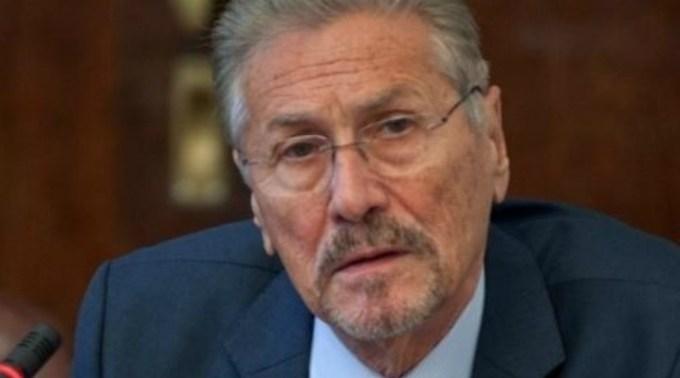 Fostul președinte Emil Constantinescu, dus de urgență la spital 1