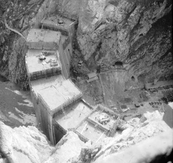 constructia-barajului-vidraru-foto-arhiva-imola-martonossy-559x525