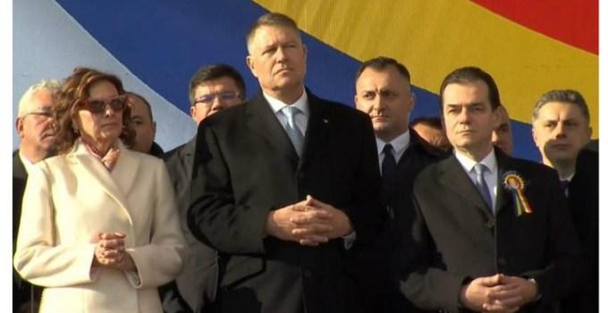 """(Video) Reacție. Klaus Iohannis, despre faptul că a fost huiduit la Iaşi. Oana Vasiliu: """"Hora la Iași, banii la București!"""" """"Aţi venit la circ, vă dăm noi pâinea"""" Au scandat oamenii.  Mult așteptata Autostradă care..."""" 5"""
