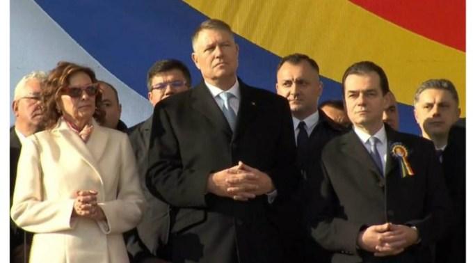"""(Video) Reacție. Klaus Iohannis, despre faptul că a fost huiduit la Iaşi. Oana Vasiliu: """"Hora la Iași, banii la București!"""" """"Aţi venit la circ, vă dăm noi pâinea"""" Au scandat oamenii.  Mult așteptata Autostradă care..."""" 1"""