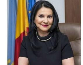 """Sorina Pintea suferă de o boală gravă. Fostul ministru al Sănătății a ales să se trateze în România. """"Viața este imprevizibilă! În ultima parte a mandatului am început să mă simt din ce în ce mai rău, dar am crezut că această stare se datorează oboselii. În data de ..."""" 15"""