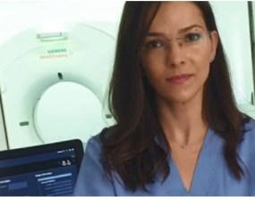"""(Video) Medic, despre persoanele infectate: """"Plămânul se umple efectiv cu multiple focare de pneumonie. Acestea pot evolua, se pot mări, pot conflua şi se poate ajunge la umplerea plămânului în totalitate sau aproape în totalitate. Dacă se ajunge la umplerea în totalitate, pacientul nu supravieţuieşte nici măcar intubat şi ventilat"""" 12"""