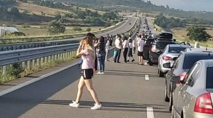 Complicat. Grecia schimbă din nou regulile. Va testa de coronavirus toți turiștii români care intră în țară pe la vama Kulata-Promachonas 1