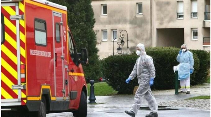 Infectați. 28 de români au descoperit că sunt infectați cu coronavirus după ce și-au făcut teste private pentru a pleca în concediu 1