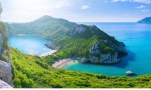"""Scump. Cât costă o vacanță în România pe litoral, comparație cu Grecia și Bulgaria. """"Au un fel de a lucra care funcţionează după strategia: «Luăm cât mai mult de la cât mai puţini clienţi» 42"""