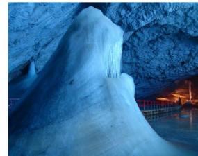 Ghețarul de la Peștera Scărișoara din România este o minune înghețată în timp. Vezi ce vor să facă cercetărorii americani aici: 5