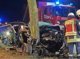 (Foto) Român din Germania scăpat miraculos cu viaţă din maşina în care trei oameni au murit 54