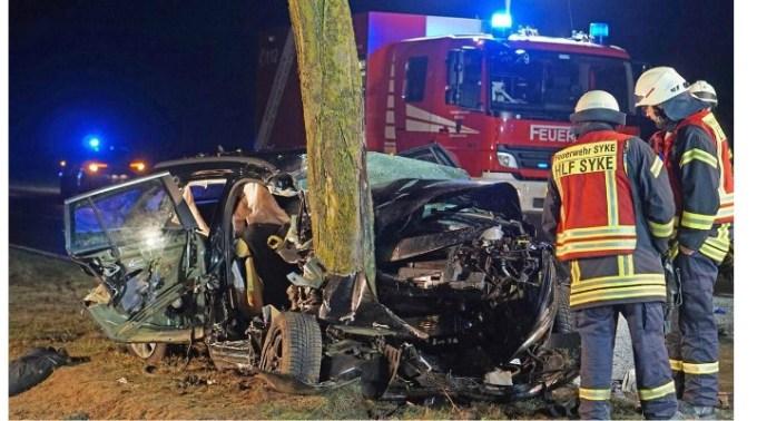 (Foto) Român din Germania scăpat miraculos cu viaţă din maşina în care trei oameni au murit 2