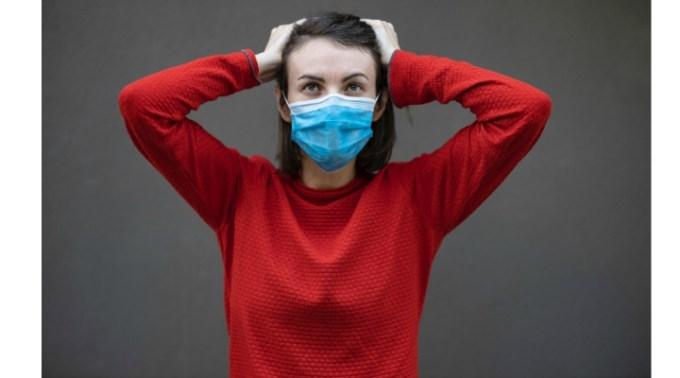 """Virginia: """"O recapitulare! Masca simpla chirurgicala, cea de 70 de bani NU te protejează pe tine! Ii protejează pe cei din jurul tău in cazul in care ești infectat si nu știi. Masca ffp3 cea de 40 de lei DA te protejează pe tine dar este necesar sa o porți doar acolo unde crezi ca ești expus unei persoane posibil infectate..."""" 1"""