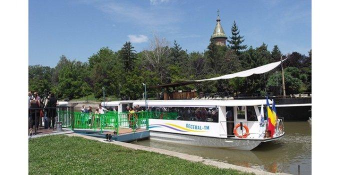 (Video) Primul oraș din România care are transport public pe apă cu vaporașul. Vezi cum arată: 8