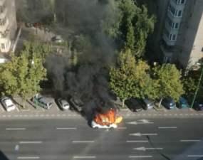 """(Foto/Video) Un taxi din România a EXPLODAT în trafic! """"3 explozii, una mare 2 mici """" 6"""