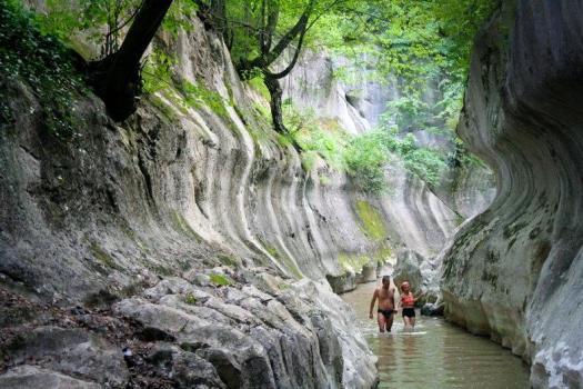 Cheile-Banitei-Muntii-Sureanu-Hunedoara romania carpathians mountains