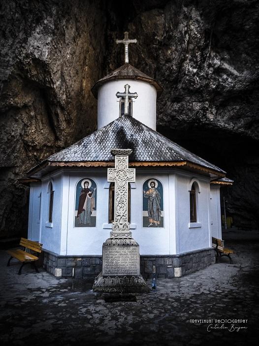 Mănăstirea Peştera Ialomiţei (Ialomicioarei) (jud. Dâmbovița)