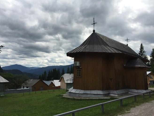 Mănăstirea Rarău - Biserica veche (com. Crucea, jud. Suceava)