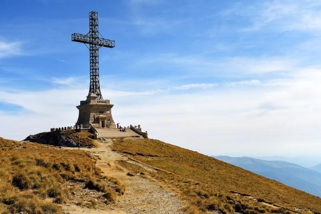 Crucea Eroilor de pe Muntele Caraiman (jud. Prahova)