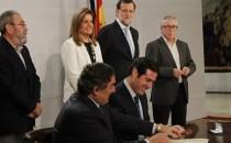 Şomerii cu cel puţin un an fără activitate în câmpul muncii pot solicita noul ajutor de 426 de euro pactat de Guvernul Rajoy şi sindicatele spaniole