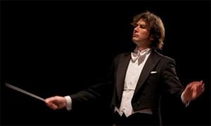 """Interviu cu Virgil Popa, dirijorul Stradivari Symphony Orchestra din Madrid care pe 22 şi 23 decembrie va susţine """"Concertului Extraordinar de Anul Nou"""" din capitala Spaniei"""