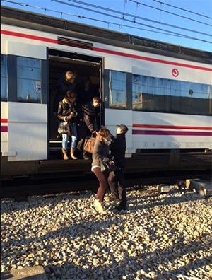 Pasageri evacuaţi în gara Atocha / Foto: Javier Carmona