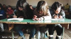 Elevi din România