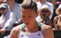 "TENIS: Simona Halep, ""zdrobită"" de daneza Caroline Wozniacki la Turneul Campioanelor"