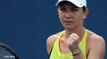 Simona Halep s-a calificat în sferturile de finală la turneul de la Beijing, după ce a învins-o în premieră pe rusoaica Maria Sharapova