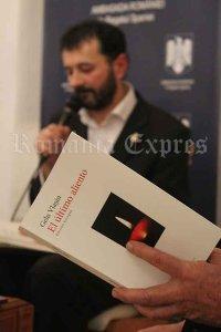 Scriitorul Gelu Vlaşin la prezentarea cărţii Ultima suflare, la Ambasada României la Madrid
