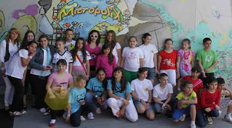 Copiii participanţi la concursul Cunoaşte România! în vizită la Micropolix