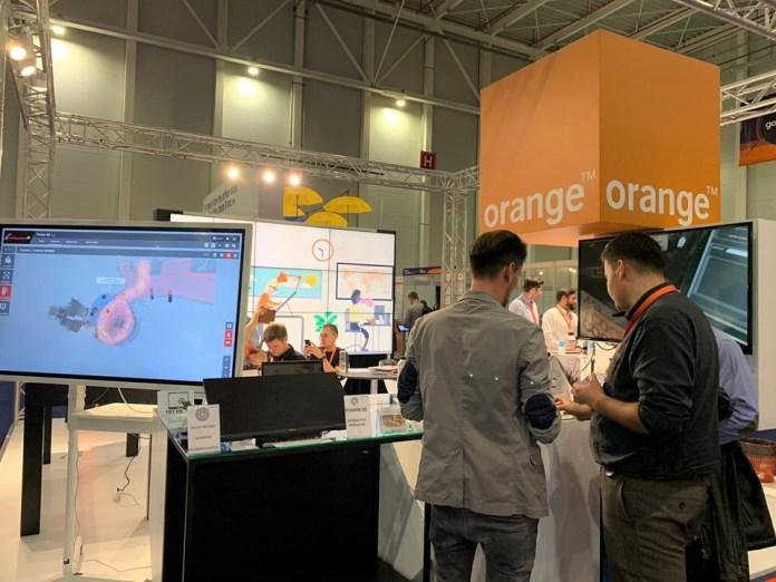 Stand Orange
