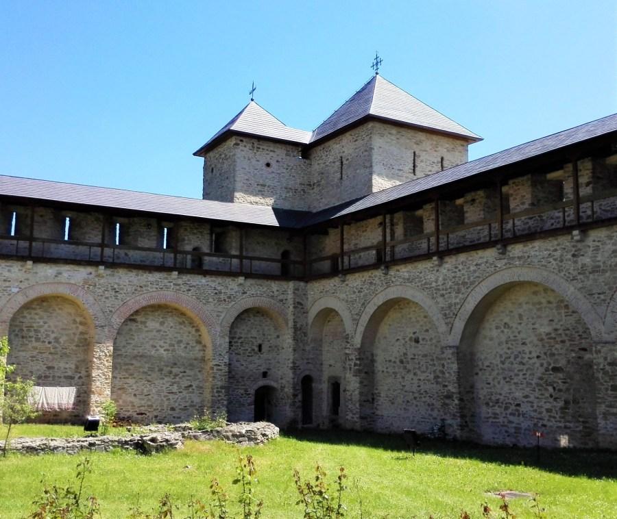 ziduri manastire dragomirna