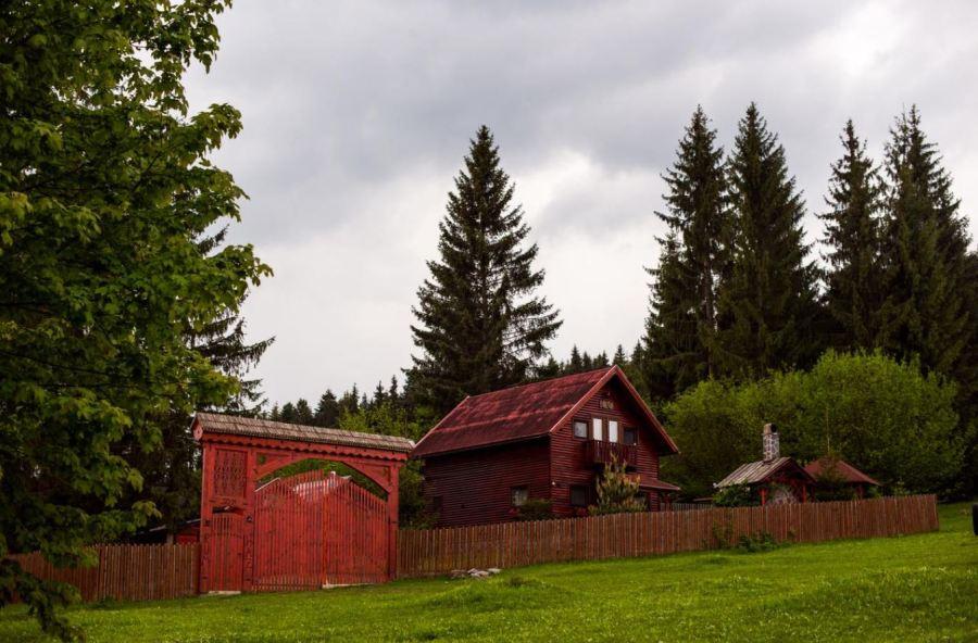 Cabana in padure de inchiriat Harghita Romania