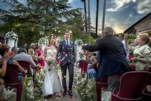 Reportaje de boda en L´Escaleta. Salida de la ceremonia.