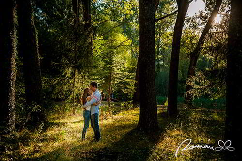 foto-de-novios-en-el-bosque