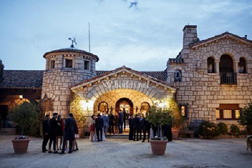 Fachada de El Senescal finca para bodas en Madrid