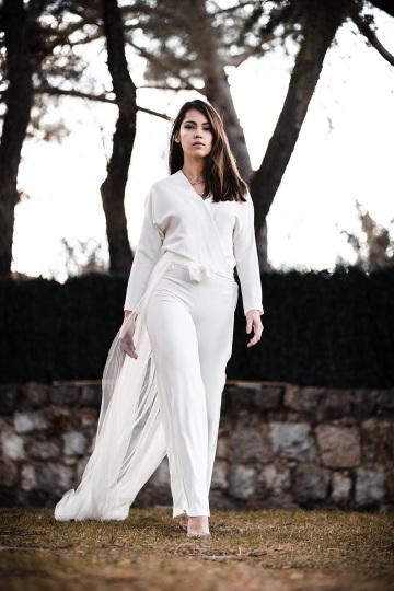 Valérie Moreau - trajes de novia con pantalones (3) (Copiar)