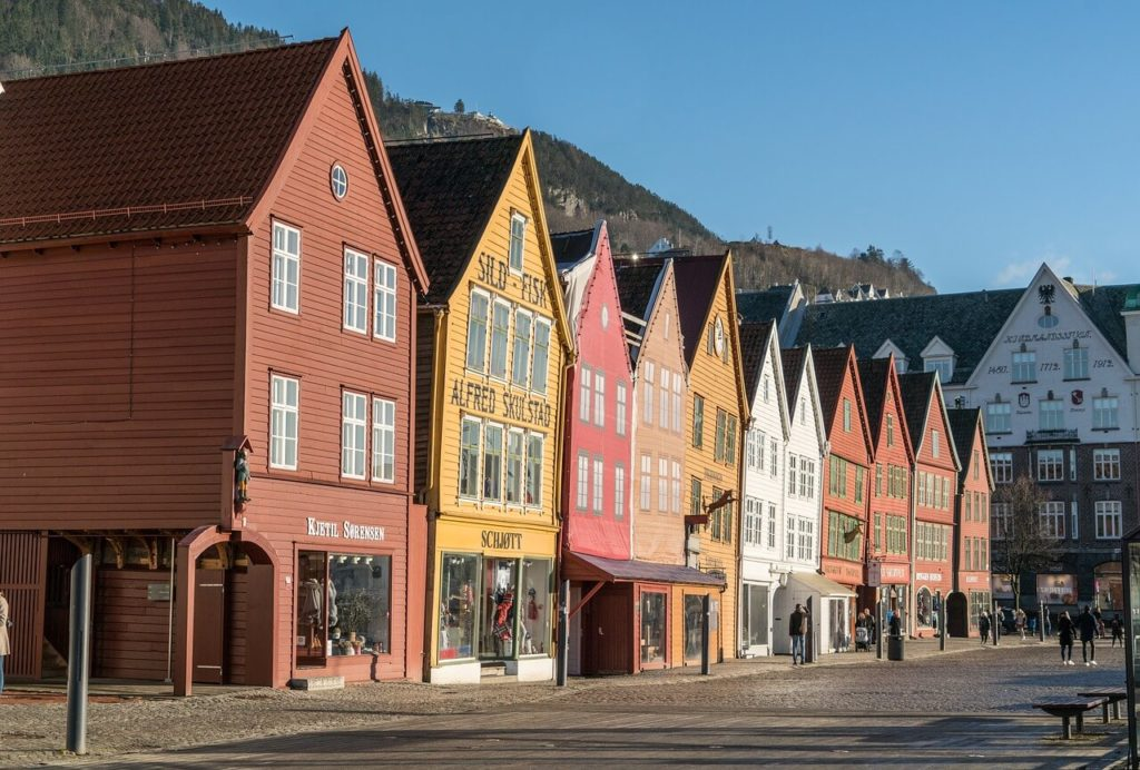 10 most beautiful places in norway you must visit romanroams for Norway wooden houses