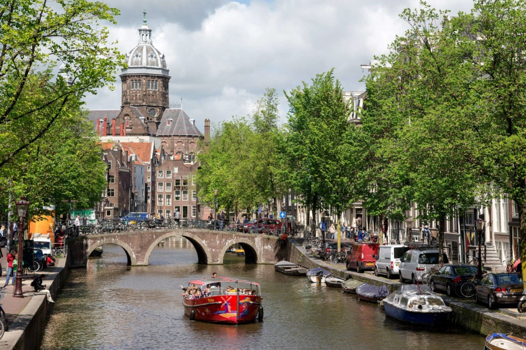 Тур по каналам Амстердама