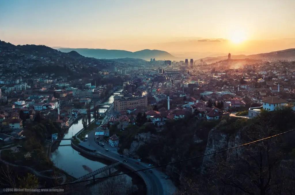 Закат в Сараево, самые дешевые города Европы