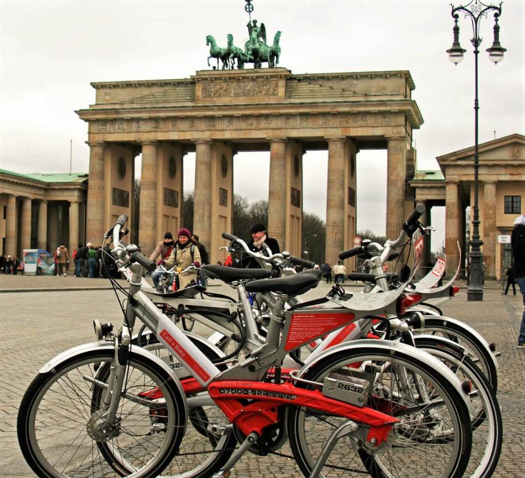 Bikes at the brandenburg gate, unusual things to do in Berlin