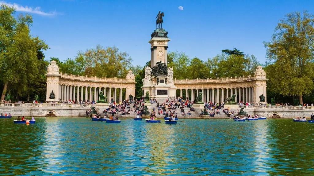 Lake in Retiro park, 3 days in Madrid itinerary