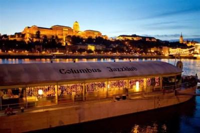 Джазовый клуб Columbus на пароме в Будапеште