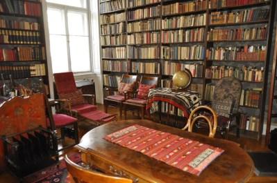 Kodaly music museum bookshelf, 2 days in Budapest