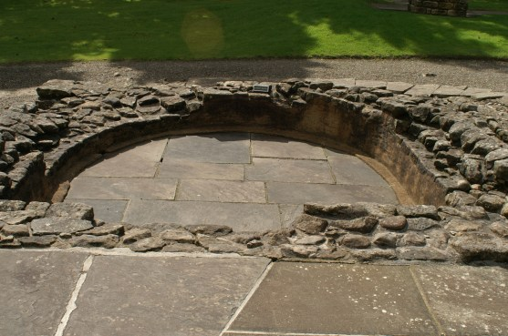 Bearsden bath house semicircular bath