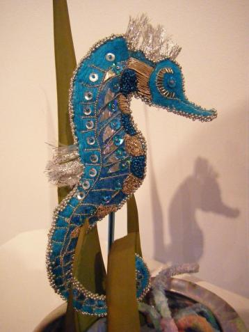 Free standing sea horse