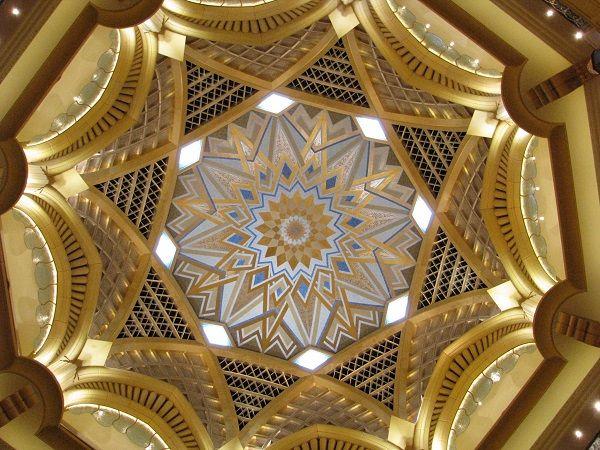 abu-dhabi-emirates-palace-ceiling