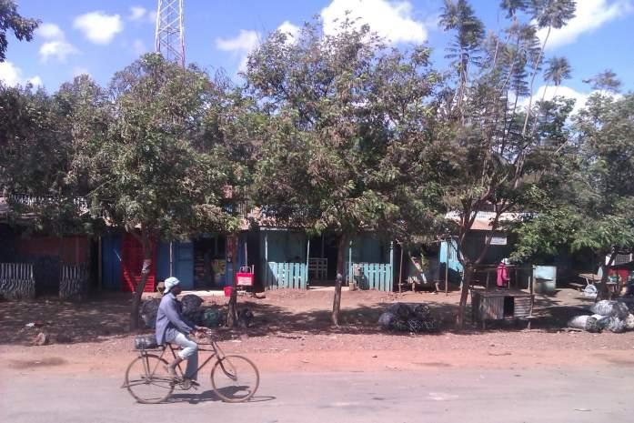 Calles de Pueblos de Kenia, África, 2012